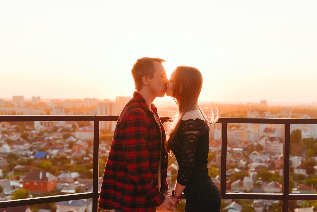 Романтик в Воронеже на закате с панорамой на весь город